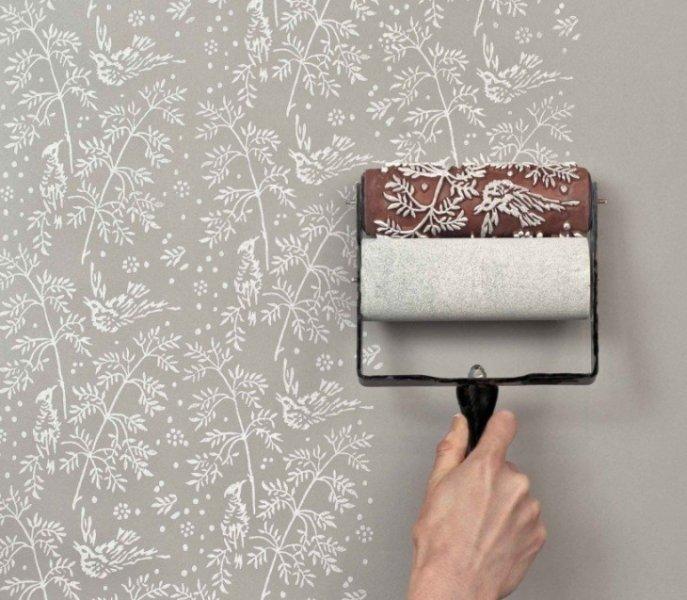 Как покрасить обои: тонкости процесса и выбор краски