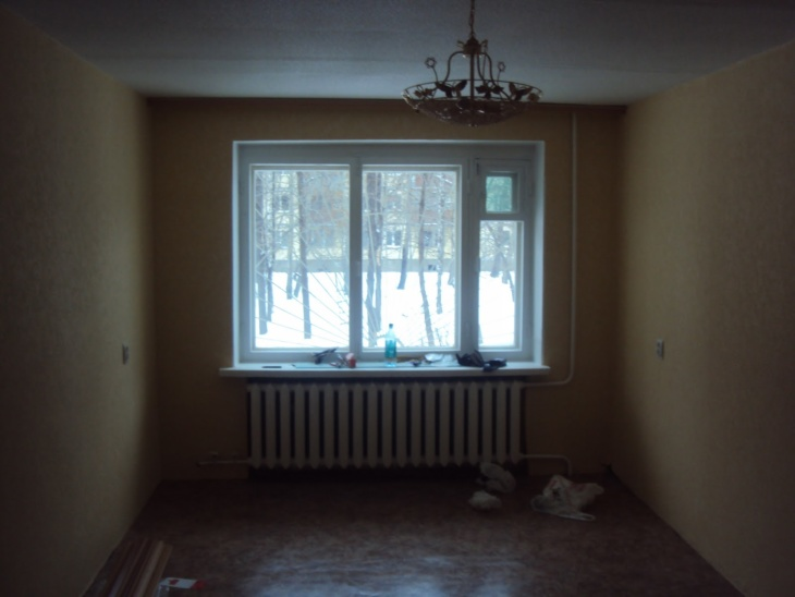 Когда можно открывать окна после поклейки обоев из стекловолокна и других материалов