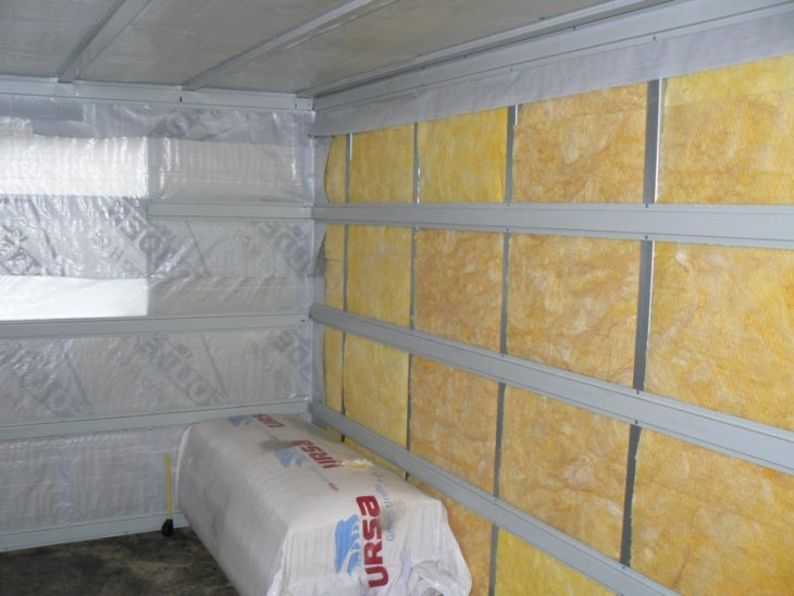 Какой использовать утеплитель для стен внутри дома на даче