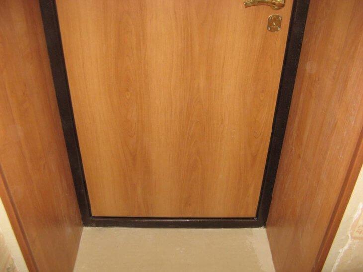 Обшивка дверей своими руками: самые востребованные материалы